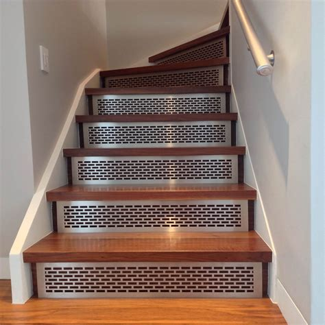 Stair Risers & Treads   ARCHITECTURAL GRILLE