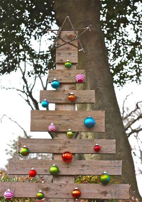 christmas decorations made from wood pallets 12 gorgeous uses of wood pallets pallets designs