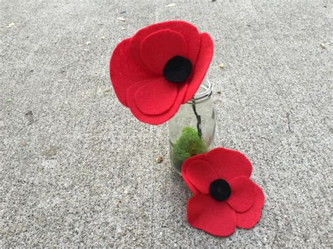 Make A Paper Poppy - how to make felt poppies how tos diy
