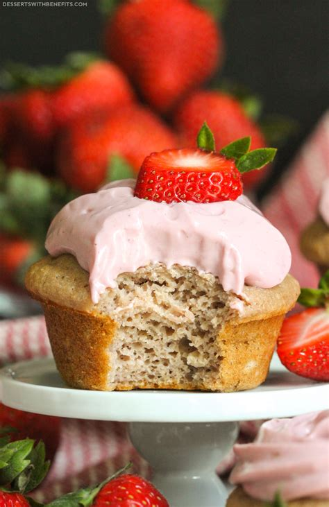 Healthy Strawberry Cupcakes with Strawberry Frosting (sugar free, low fat)