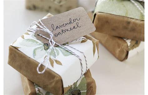 Wedding Budget 100 Juta by Decorations On A Budget Wedding Favor Inspiration