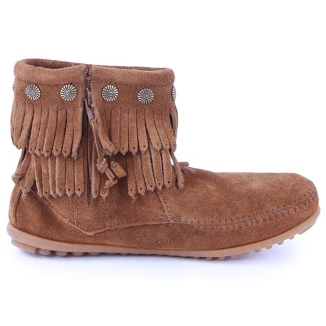 minnetonka fringe womens ankle boots in brown
