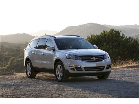 2017 chevrolet traverse chevy review ratings specs 2017