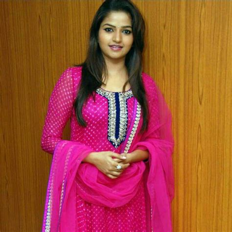 zee kannada heroine photos nithya ram nandini serial actress profile and latest