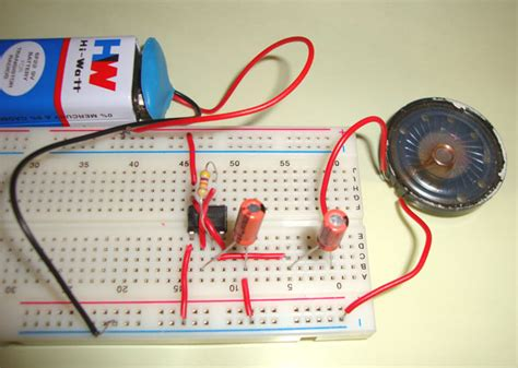 how to make a capacitor bomb ticking sound using ic 555