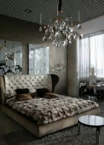 Designs Of Furniture In The Bedroom Ideas To Use Mirrored Furniture In The Bedroom Interior Design