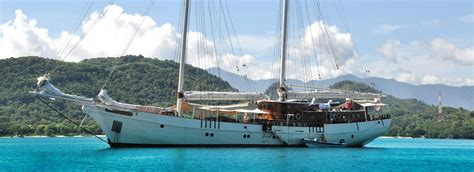 boat bali flores komodo island tour flores overland boat charters