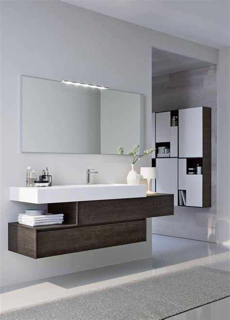 piastrelle specchio ristrutturare il bagno dalle piastrelle allo
