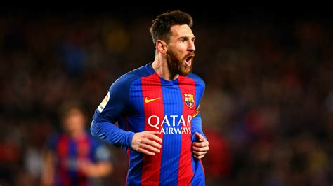 lionel messi lionel messi reaches 500 goals for barcelona with dramatic