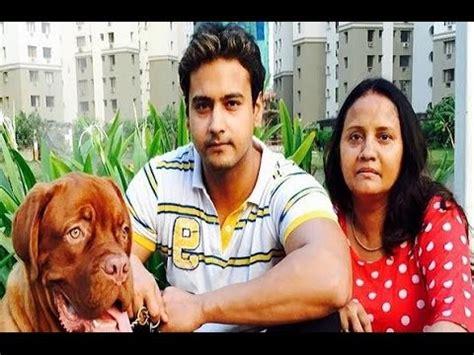 bengali actor yash dasgupta wife name yash dasgupta family album actor yash dasgupta with his