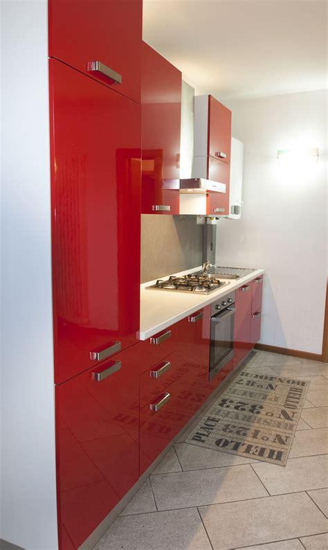 ricci casa piacenza cral cariparma cucina quot ricci casa quot di colore rosso laccato