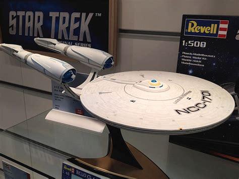 star trek into darkness spawns 1 500 scale enterprise