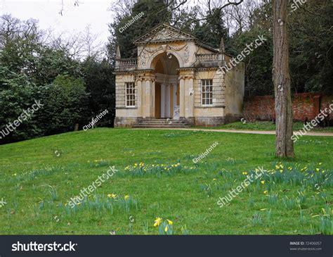 pavillon englisch landscape garden classic style pavilion stock