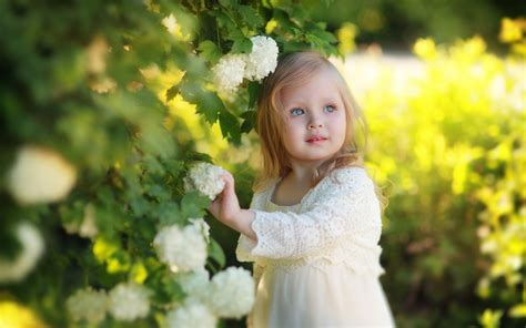 wallpaper girl little beautiful little girl hd wallpaper stylishhdwallpapers