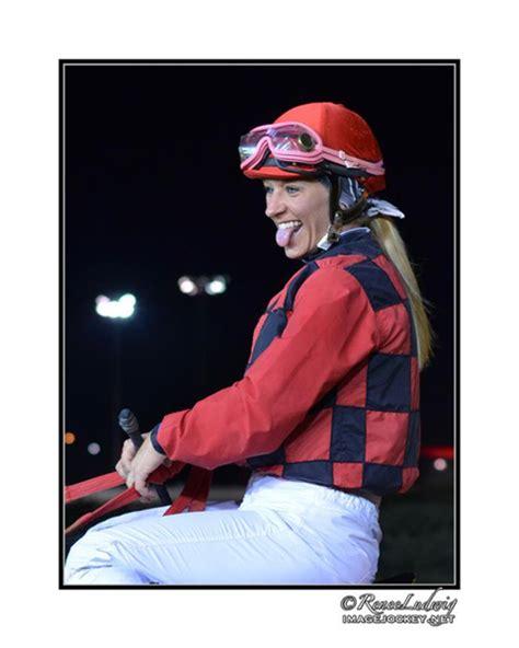 hot female jockeys female jockeys jessica rice is hot