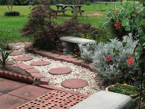 backyard sidewalk ideas 17 best ideas about backyard walkway on pinterest