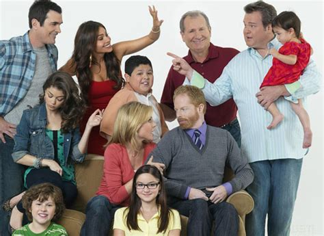 couch tuner modern family couch tuner modern family 28 images modern family free