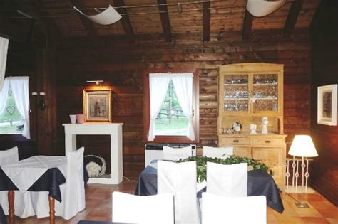 interno rustico interno rustico ed elegante foto di ristorante al
