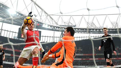 Alexis Sanchez Handball | alexis sets personal best for premier league goals in a