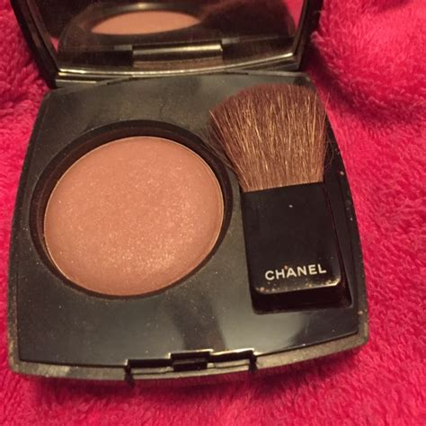 And Color Icon Blush Chagne Blushon Blush On chanel joues contraste powder blush in 80 jersey color from luisa s closet on poshmark