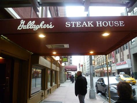 gallaghers steak house gallagher s steakhouse new york city