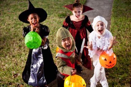 halloween safety tips lovetoknow