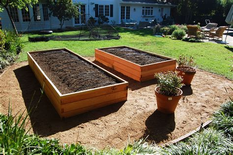 Put Grass In Backyard Quit Landscaping And Start Farmscaping Farmscape Gardens