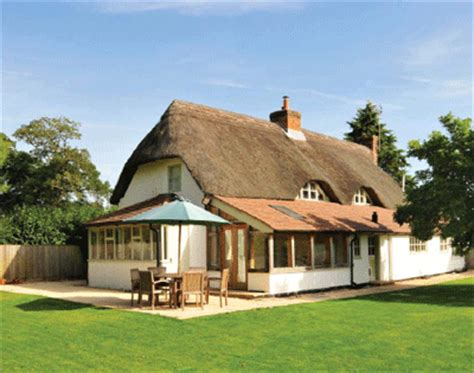 cottages for sale in wiltshire thatched cottage in wiltshire for sale country