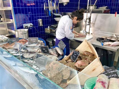 restaurant mer la reine mer seafood restaurant and fishmonger in s