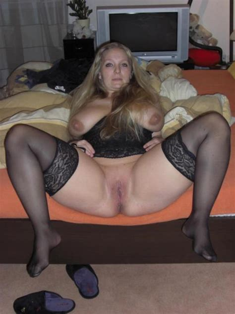 Big Tits Housewife In Stockings Spreads Her Legs And Shows