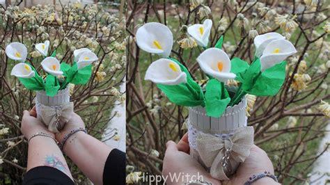 fiori con e fiori con dischetti struccanti e cottonfioc riciclo
