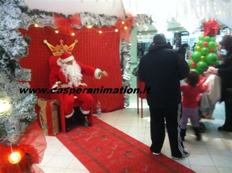 negozio di gabbo babbo natale consegna di babbo natale a casa elfo a