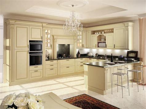 cucine componibili con penisola cucina componibile laccata in legno con penisola