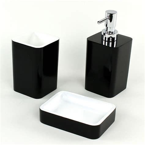 District17 Arianna 3 Piece Bathroom Accessory Set In Black Bathroom Accessory Set