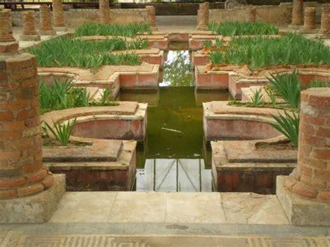 imagenes jardines romanos foto del jardin romano de la casa de las fuentes en
