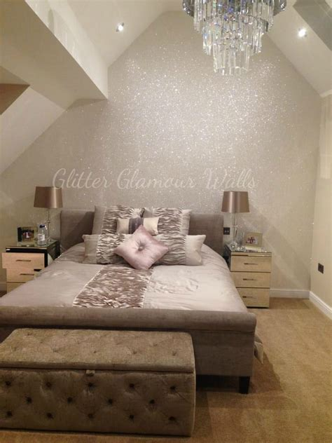 Glitter Decorations For Bedroom by 25 Best Ideas About Glitter Wallpaper On Pink