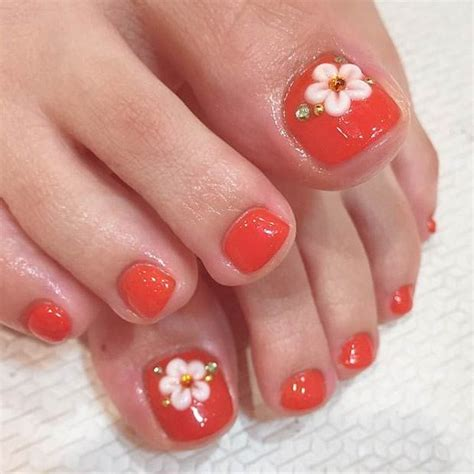 flower design for toes 32 flower toe nail designs nail designs design trends