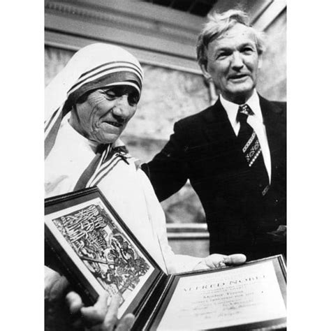 mother teresa nobel prize biography notable winners of the nobel peace prize telegraph