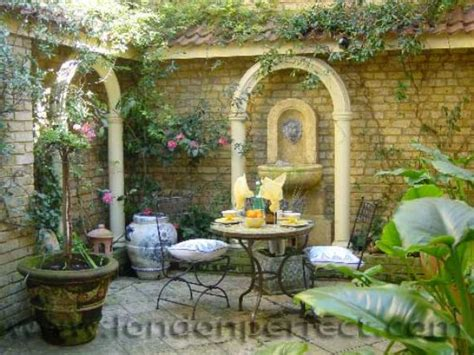 Kensington Vacation Apartment With Patio Garden Italian Patio Design