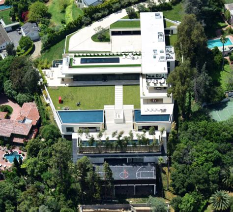 celebrity homes beyonce and jay z hton s home luxury mansions celebrity homes jay z beyonce 120