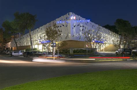 Light Medium La Bb Diskon gallery of supermarket in athens klab architecture 2