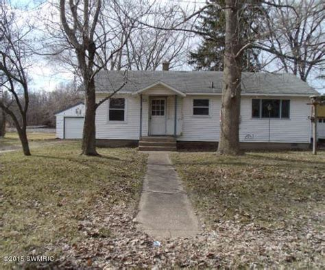 14820 marquette rd lakeside michigan 49116 foreclosed