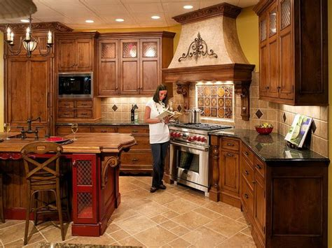 tuscan kitchen paint colors  cabinets italian kitchen