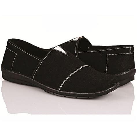 Sepatu Sneakers Pria Keren Gaya Terbaru Modern Mewah Adidas Gazele 3 produk terbaru dari www eobral sepatu gaya pria trend mode terbaru bkl 131 harga rp 170 000
