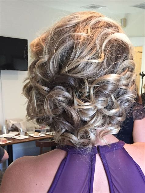 Easy Bridesmaid Hairstyles For Medium Length Hair by 25 Best Ideas About Shoulder Length Updo On