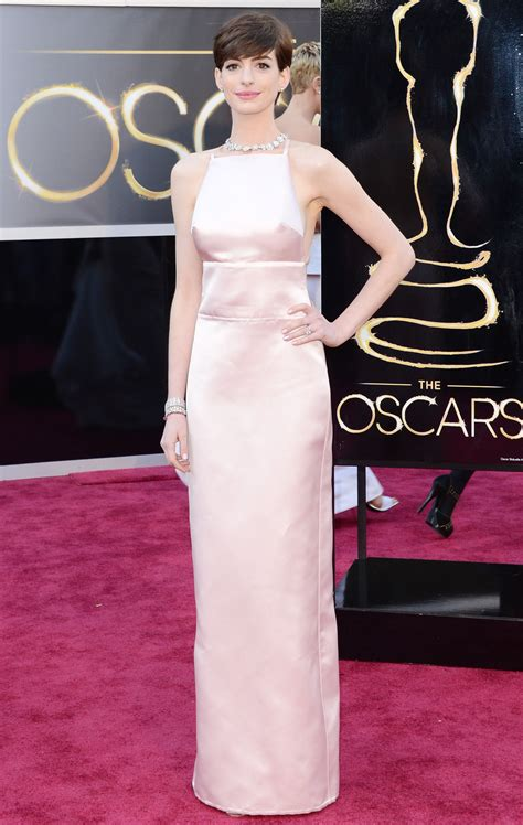 Oscars More Dress News by Hathaway Apologises For Oscars Dress Drama Metro News