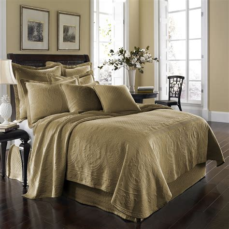 king charles matelasse coverlet historic charleston king charles matelasse coverlet atg