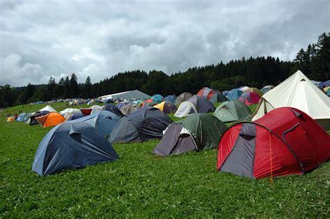 vacanze in tenda un telo per tetto vacanze in tenda vita in cer