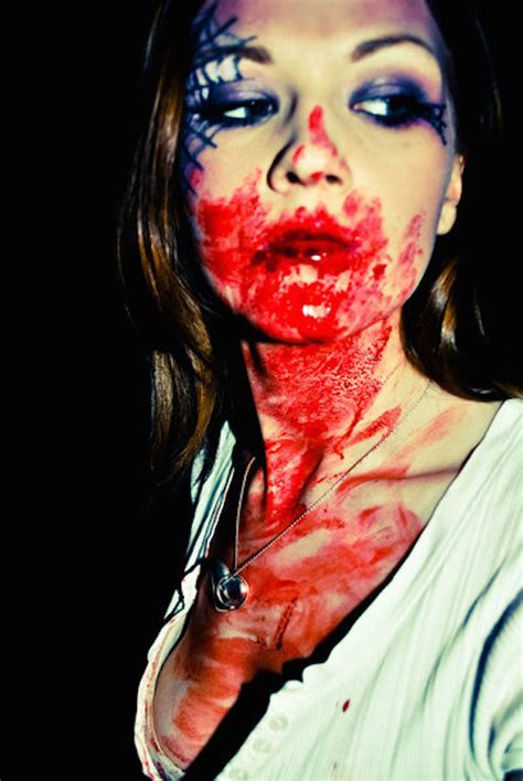 17 Amazing Bloody Halloween Makeup Ideas   Feed Inspiration