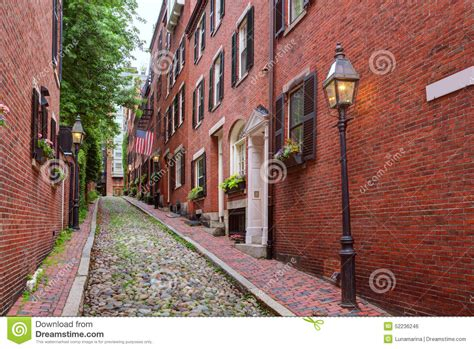 acorn street l acorn street beacon hill cobblestone boston stock photo